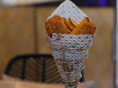 "Hake Mate. EL ""Fish & chips' gourmet que se lleva en la capital"